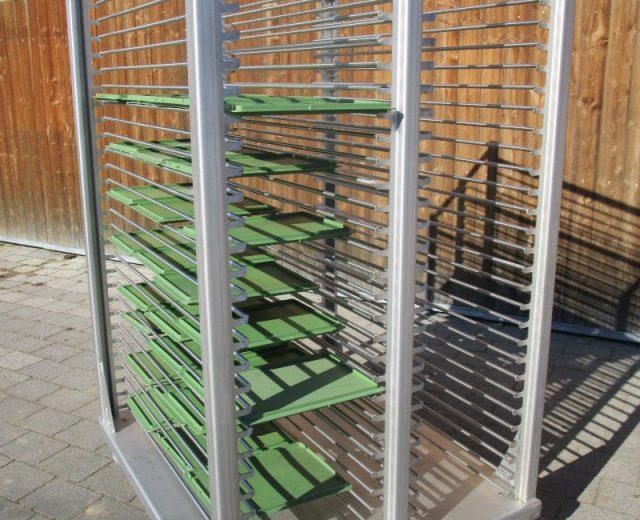 Deckelwagen für Kistenwaschanlage