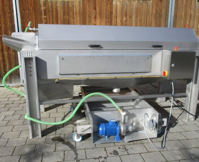 Gemüsewaschmaschine mit Wasseraufbereitung der Firma B.Miller Maschinenbau